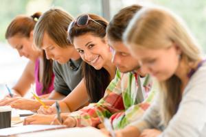 adolescente-estudiando